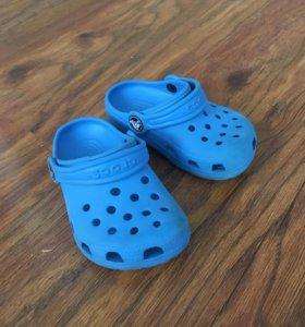 Сандали Crocs