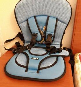 Бескаркасный стул для кормления и игры