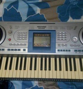 Синтезатор TECHNO KB-820