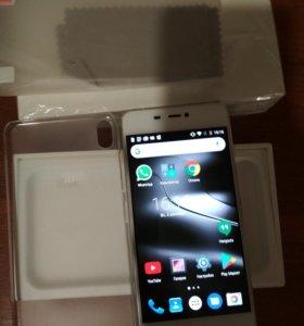Смартфон IUNI N1