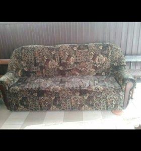 Продается б у диван и два кресла в отличном состо