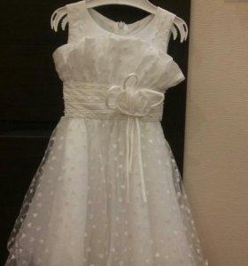 Нарядное платье для маленькой принцессы на 2-3 год
