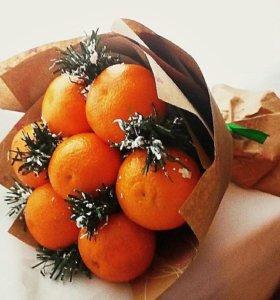 Новогодний букет из мандаринок