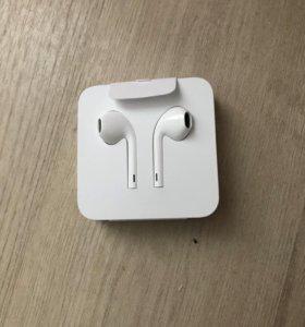 EarPods с разъемом лайтнинг