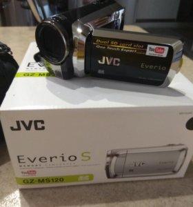 Видеокамера JVC Everio GZ-MS 120 + сумка