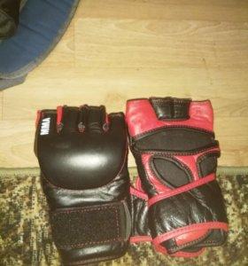 Перчатки для занятий  ММА