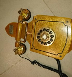 Телефонный аппарат ретро
