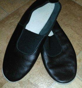 Чешки кожаные размер 23