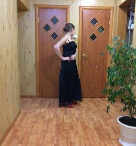 Вечернее струящееся платье