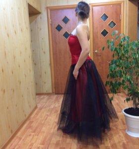 Вечерний бальный костюм (платье)