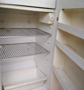 Холодильник Наст, газовая плита
