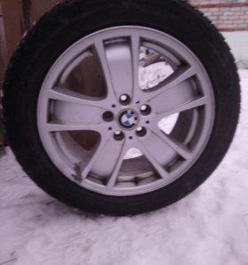 Диски с зимней резиной R18 на BMW