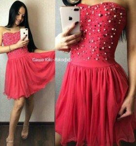 Новое красивое платье 42-46 р-р