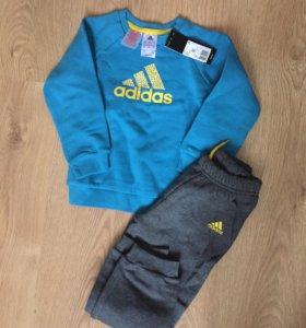 Adidas новый спортивный костюм