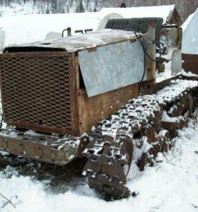 Трактор гусеничный ДТ 75 с бензиновым двигателем