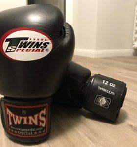 Тренировочные боксерские перчатки