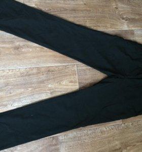 Чёрные зауженные брюки состояние на 5!