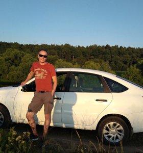 Водитель на личном автомобиле лада гранта лифтбек