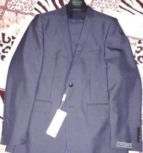 Продаю совершенно новый мужской костюм