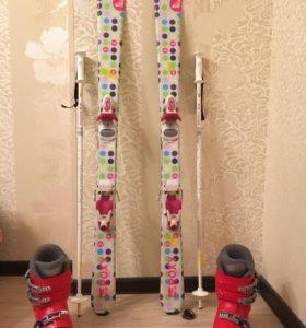 Детский горнолыжный комплект (лыжи,ботинки,палки)
