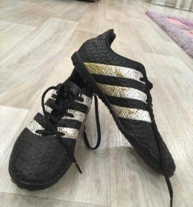 Футбольные бутсы «сороконожки», «Adidas»