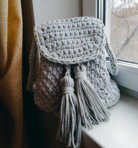 Вязаный рюкзак ручной работы