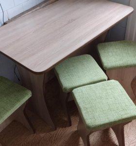 Стол для кухни с табуретами