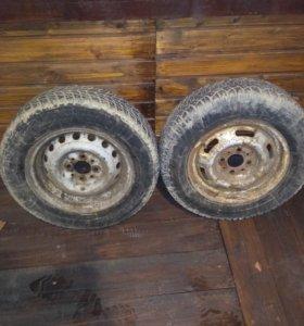 Два колеса R13.