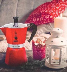 Новая кофеварка Bialetti (красная)