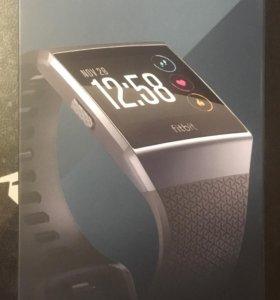 Умные спортивные часы Fitbit Ionic Smoke Gray