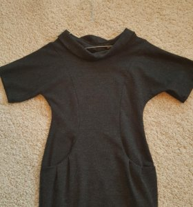 Платье новое трикотажное 42-44S