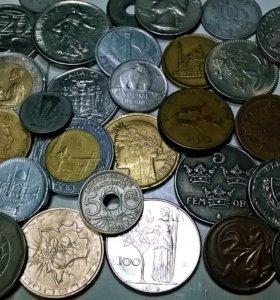 иностранные монеты.есть экзотика.не обычной формы.