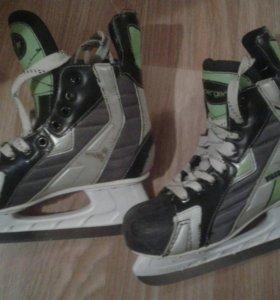 Коньки хоккейные Iceberg