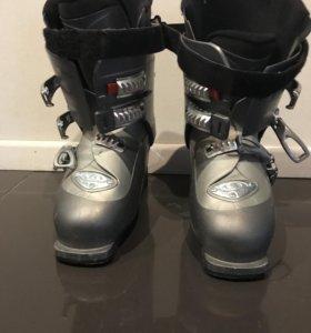 Горнолыжные  ботинки Salomon в отличном состоянии