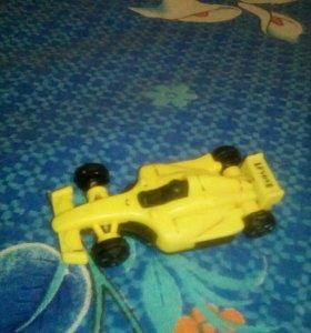 Маленькая спортивная машинка