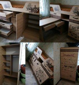 Кровать-чердак, уголок школьника, шкаф