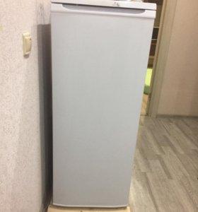 Новый холодильник бирюса срочно