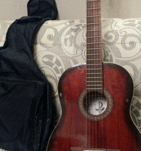 Гитара акустическая с чехлом