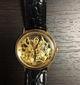 Часы Сandino