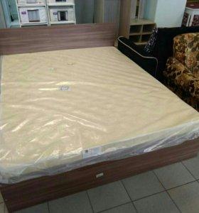 Кровать с матрасом новая 160*200