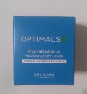 Увлажняющий ночной крем Optimals Hydra Radiance