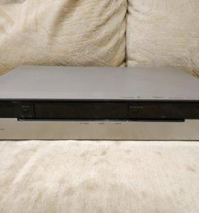 HDD/DVD рекордер Panasonic DVR-560H