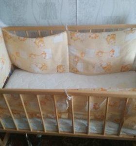 Деткая кроватка