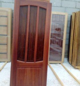 Межкомнатные двери из массива сосны.