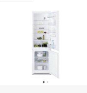 Холодильник Electrolux ENN 92801 BW Италия