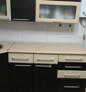 Кухонный гарнитур и кухонный уголок