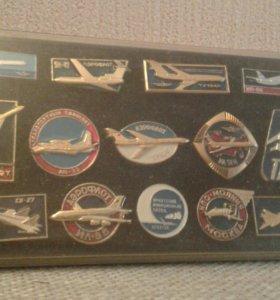 Набор значков с самолетами