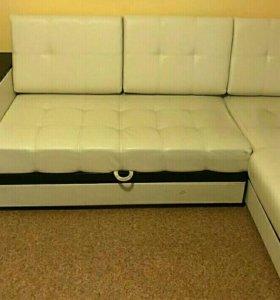 Новый диван со столиком