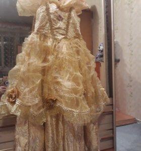 Нарядное платье на девочку 7,8,9 лет