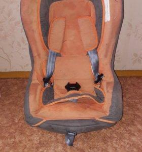Детские автомобильное кресло